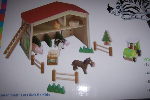 Garanimals Barn Playset Horse Tractor Pig Cow Child Learning Toy Natural Wood