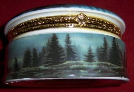 Bald Eagle Hinged Porcelain Trinket Box NEW Patriotic