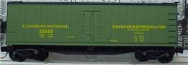 Micro Trains 49570 CN 40' Reefer 10329 - $20.25