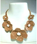 DKNY DONNA KAREN NEW YORK BB SIGNED LARGE FLOWER SIGNED GOLD TONE NECKLACE - $100.00