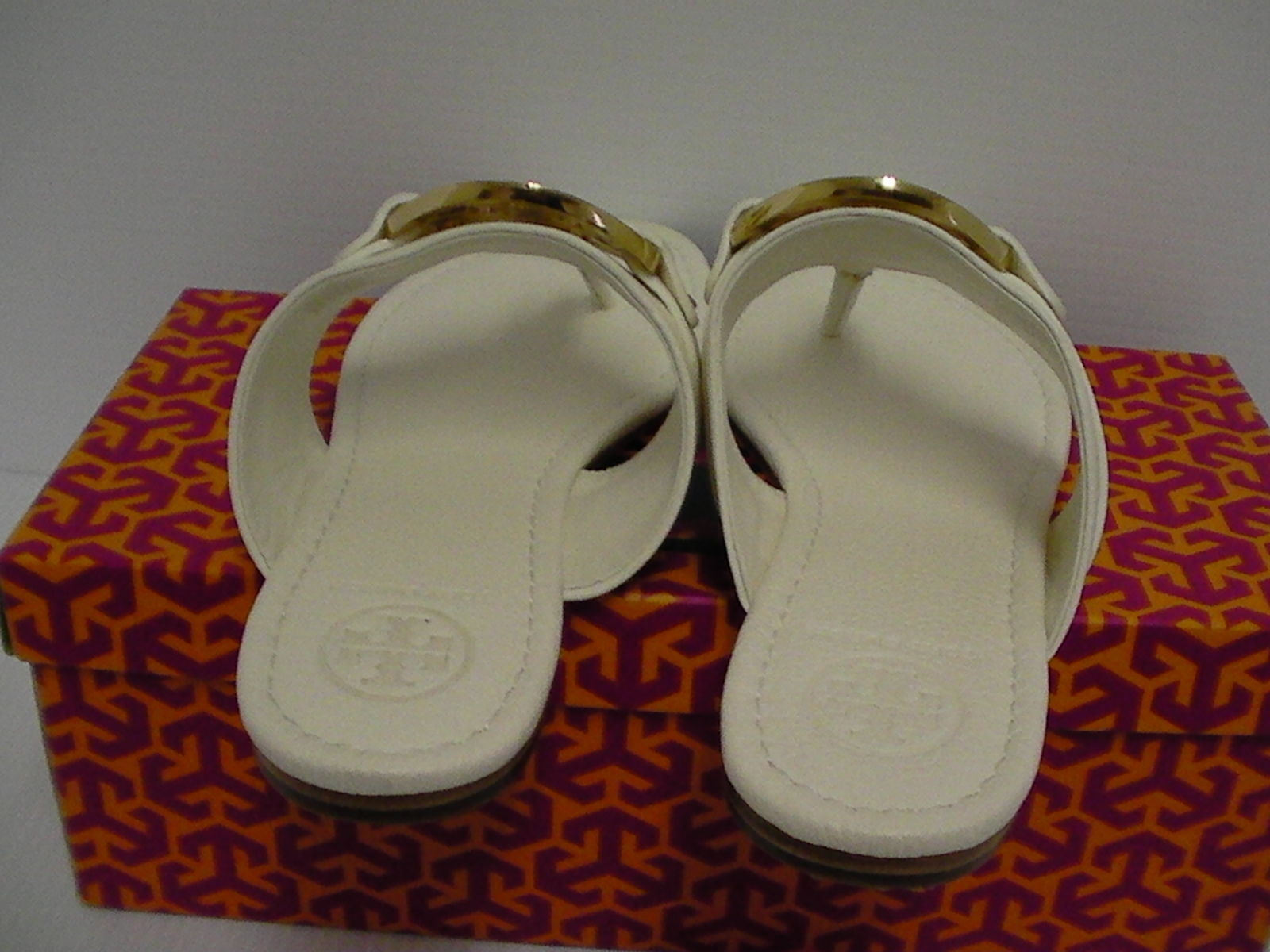 Women's tory burch slippers amanda flat thong tumbled leather bleach size 8.5