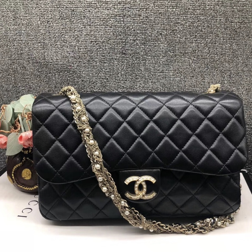 Auth Chanel Limited Ed Westminster Pearl Chain Quilted Lambskin Medium Flap bag