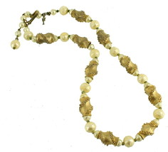 """VINTAGE TRIFARI GOLD TONE AND FAUX PEARL NECKLACE ADJ 14""""-16.5"""" - $101.24"""