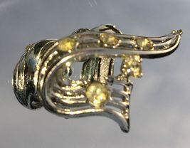 VTG 30s Silver Tone Openwork RIbbon Clear Paste Rhinestones Clip On Earrings~GVC image 3