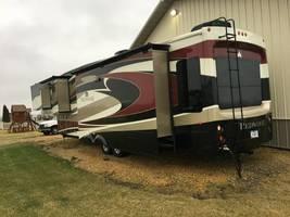 2014 Redwood RW38GK For Sale in Goose Lake, Iowa 52750 image 2