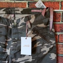 JAG CAMOUFLAGE SKINNY JEANS  3 SIZES AVAILABLE - $47.50