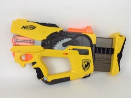 Firefly Rev-8 N-Strike Nerf Gun Lot with Darts and Batteries Yellow Version - $35.59