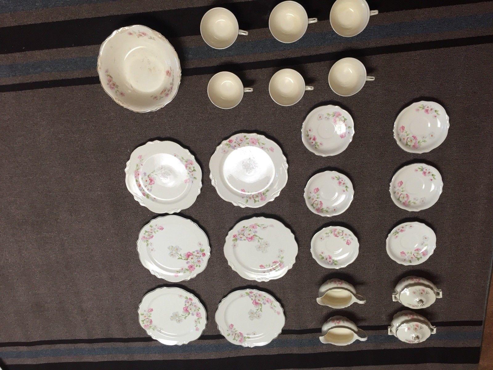 HOMER LAUGHLIN A46N8 Vintage China 24 set for 6 with 2 cream & Sugars & Big Bowl