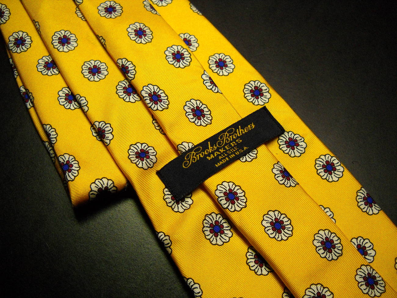 Brooks Brothers Makers Neck Tie Bright Yellow and Blooms