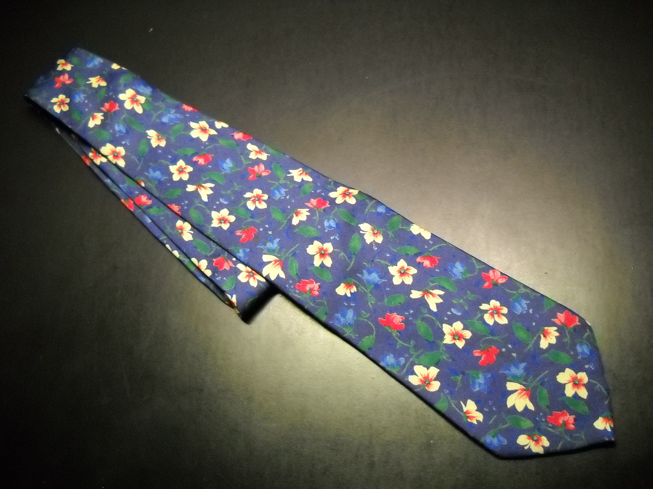 Brooks Brothers Makers Neck Tie Blue and Flowers Imported Silk Handmade in USA Brooks Brothers Makers
