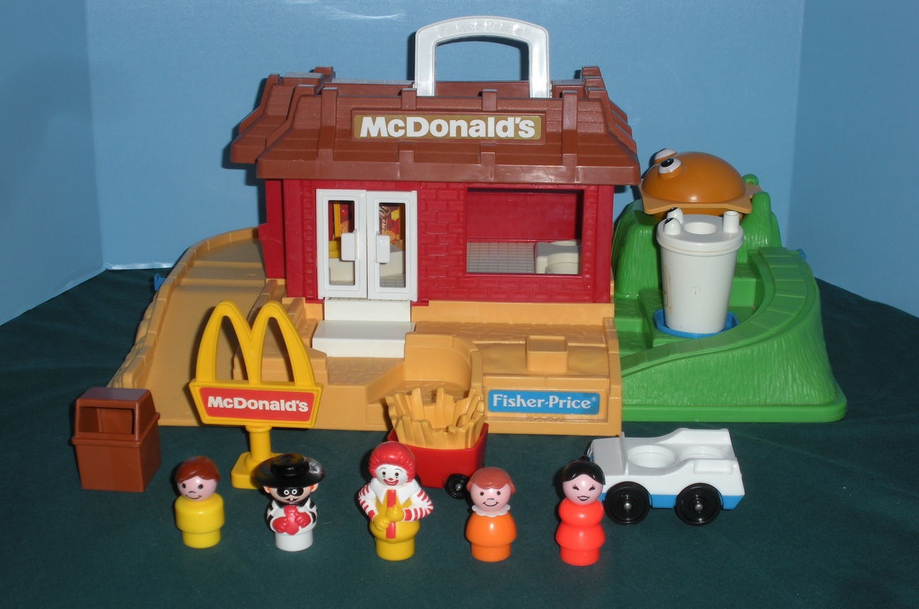 Vtg. Fisher Price Little People #2552 McDonald's Playset (RESERVED FOR LYNETTE)