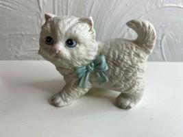 """Vintage Ceramic Porcelain Cat HOMCO 4"""" Standing White Kitten Blue Bow Fi... - £9.78 GBP"""