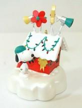 QXC3004 Hallmark Keepsake Ornament World Famous Decorator Snoopy Peanuts... - $22.49