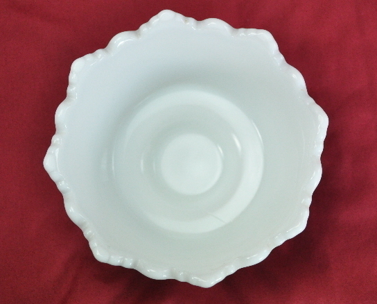 Westmoreland Milk Glass Old Quilt pattern small Footed Bowl