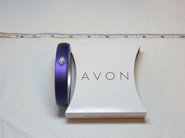 Ladies Womens Avon Frosted Embellished Bangle Bracelet Pruple F3646531 NIP - $10.68
