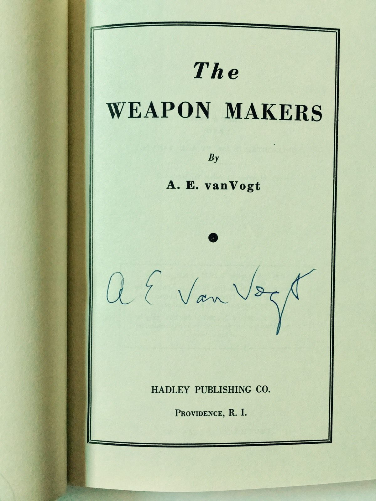 The Weapons Makers/ van Vogt Signed Mint