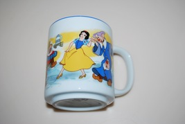Snow White Disney Mug Cup Disneyland Disney World Blue Rim - $11.95