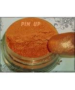 Pinup thumbtall
