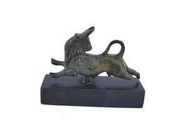 Bull bronze miniature statue ancient Greek reproduction sculpture on marble - $47.90