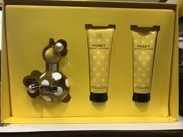 Marc Jacobs Honey Perfume 3.4 Oz Eau De Parfum Spray 3 Pcs Gift Set image 1