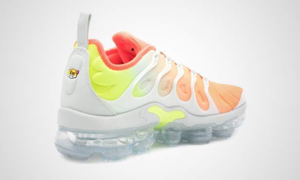 ... Nike WMNS Air VaporMax Plus