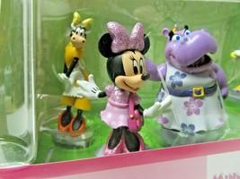 Disney Figurines play set - Minnie Mouse & Daisey Duck plus four - NIB (... - $16.82