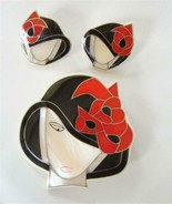 Lucite Mother Of Pearl Inlay Flapper Girl Brooch Earrings Set Black Whit... - $63.36