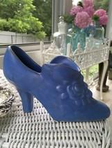"Vintage BLUE Matte POTTERY Shoe ROSES HULL ? USA ? 6"" Rose Bouquet - $24.75"