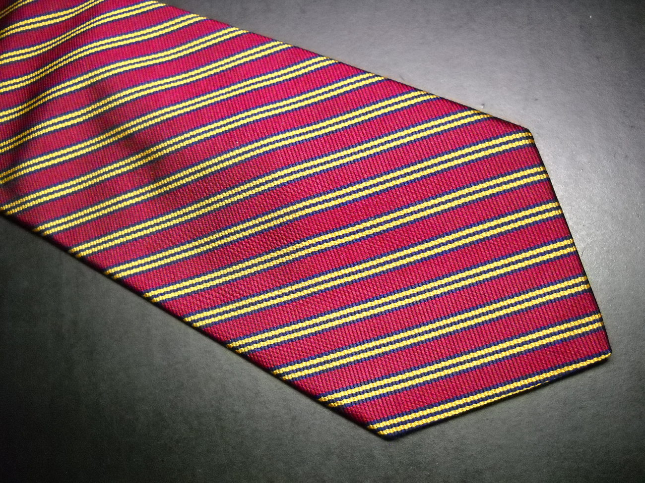 Brooks Brothers Makers Neck Tie Silk Woven in England Diagonal Stripes