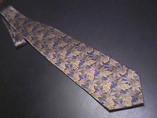 Tie stonehenge leaves browns 01