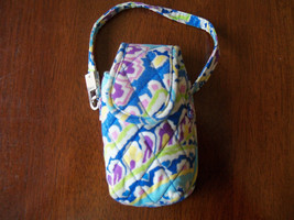 Vera Bradley Cell Phone/MP3/ Ipod Wristlet Capri Blue Retired Spring of 2007 EUC - $16.20