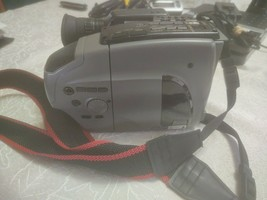 JVC GR-AX25U Compact Video Camera Recorder / Camcorder, Gray- VTG Read - $19.34