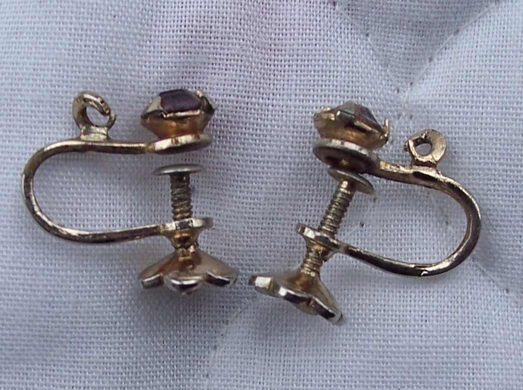 Vintage Pink Rhinestone Gold Toned Screw-on Earrings