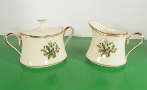 Lenox Dimension HOLIDAY Creamer and Sugar Bowl with Lid Holly Berry