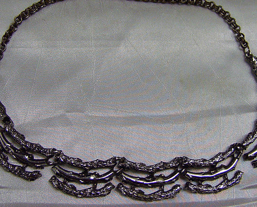 Vintage Aesthetic Silvertone Branches Necklace