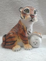 Boehm Tiger Woods Foundation - Tiger on The 18th Hole figurine - 1998 - $19.95