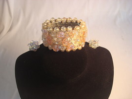 Vntage Clear & Pink Iridescent Beads Costume Jewelry Bracelet Clip Earri... - $25.00