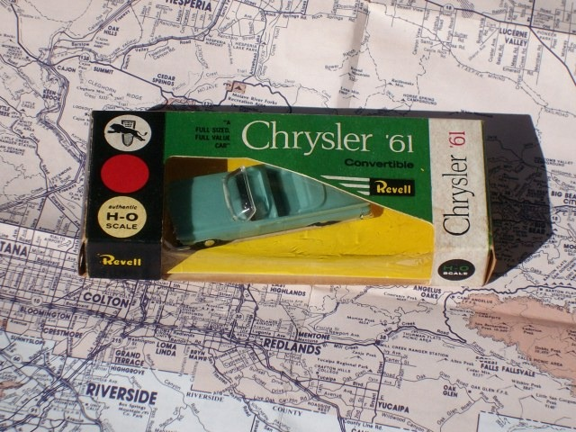 Revell 1961 Chrysler Convertible - Plastic, Authentic H-O Scale - New In Box!