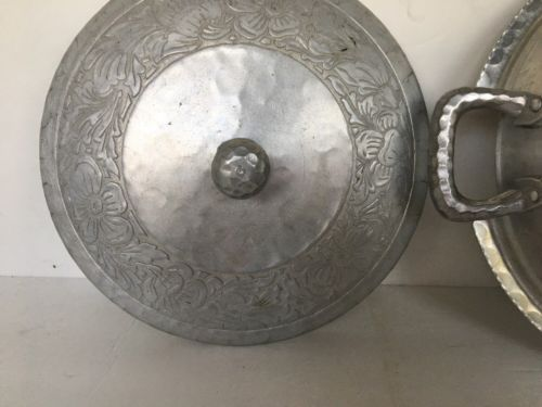 Vintage Everlast Aluminum Hammered Pea Pod Covered Bowl Hand Forged Vented