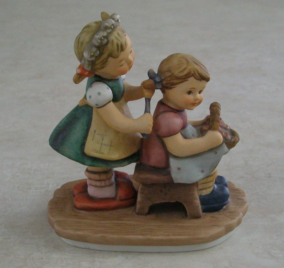 Goebel Berta Hummel Forever A Friend BH 65 1998 BH65 no Box