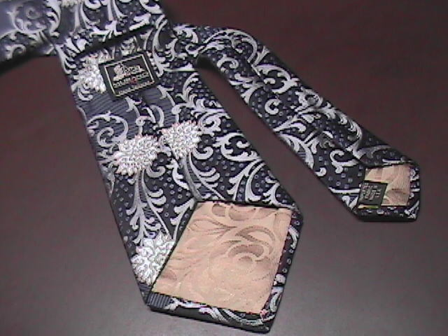 Murano Mens Neck Tie Silvers Black Hand Tailored Imported Silk Tie Made in USA