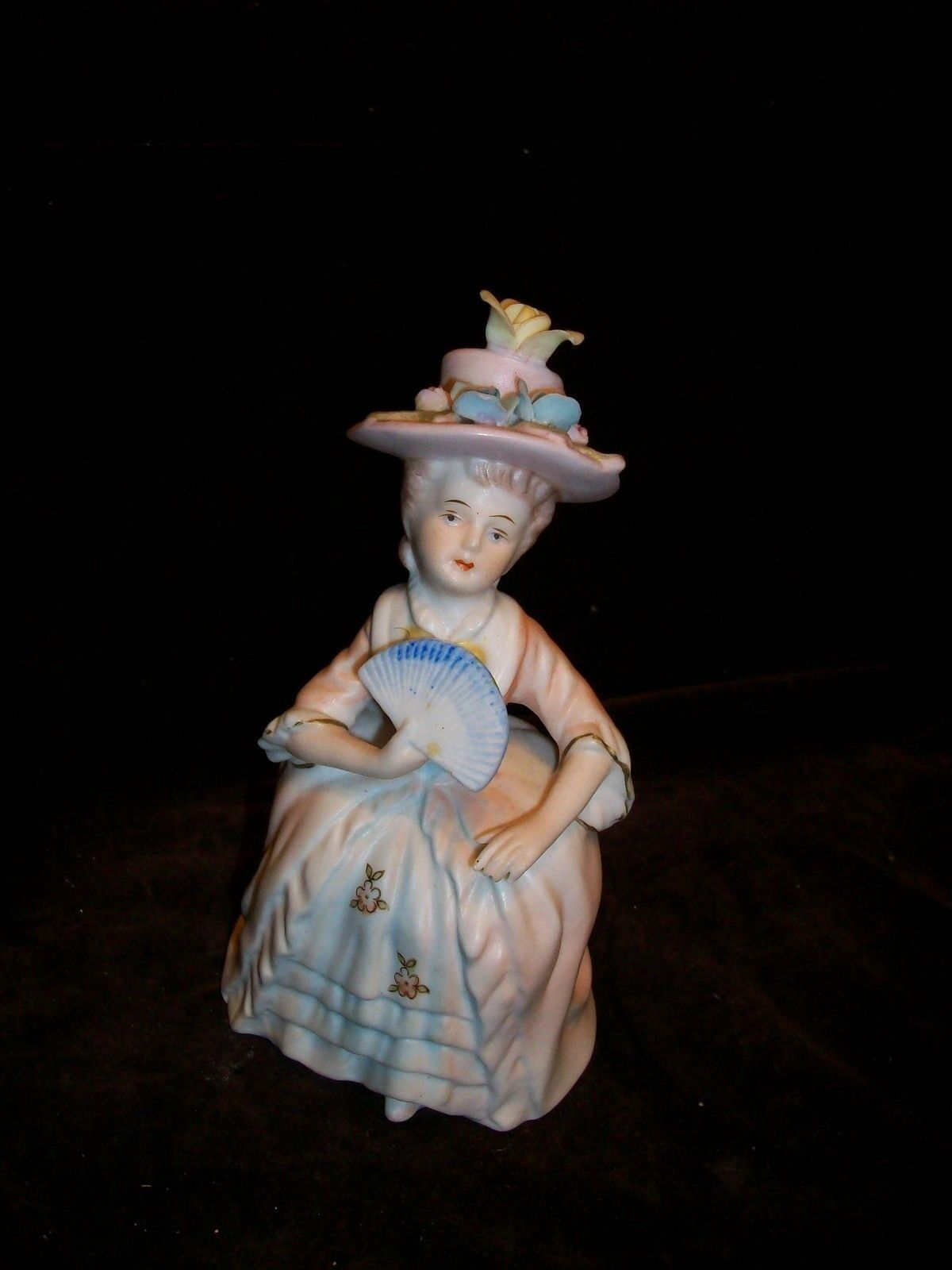 VINTAGE PORCELAIN FRENCH PROVENCIAL LADY FAN FIGURINE PINK DRESS FLOWERS HAT