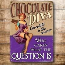 Chocolate Diva, Divertido Pin-Up Niña Loves Pequeño Metálico Letrero Pared Acero - $6.43