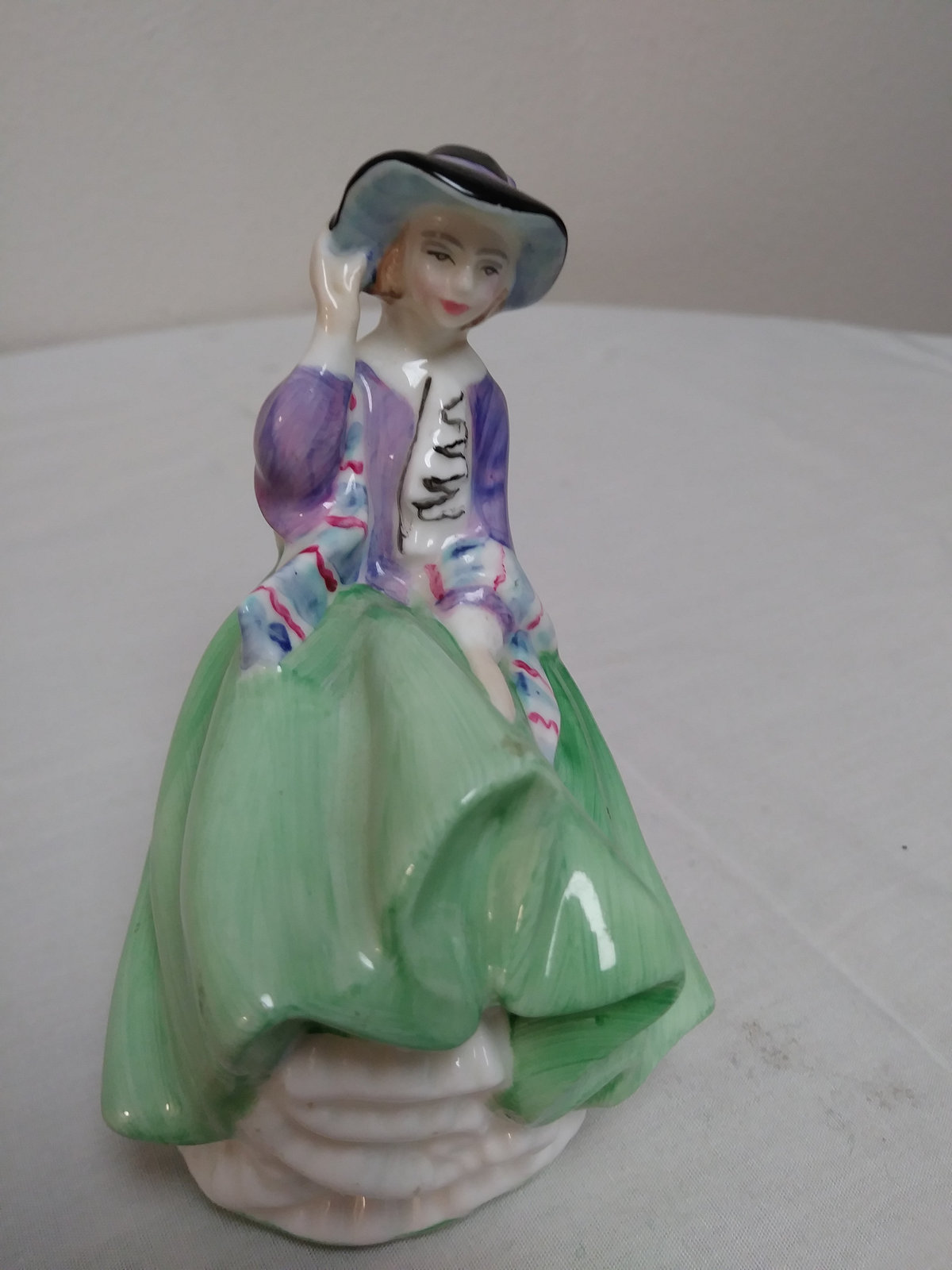 Royal Douton Top O' of Hill HN 2126 1937 Figurine V.G Condition