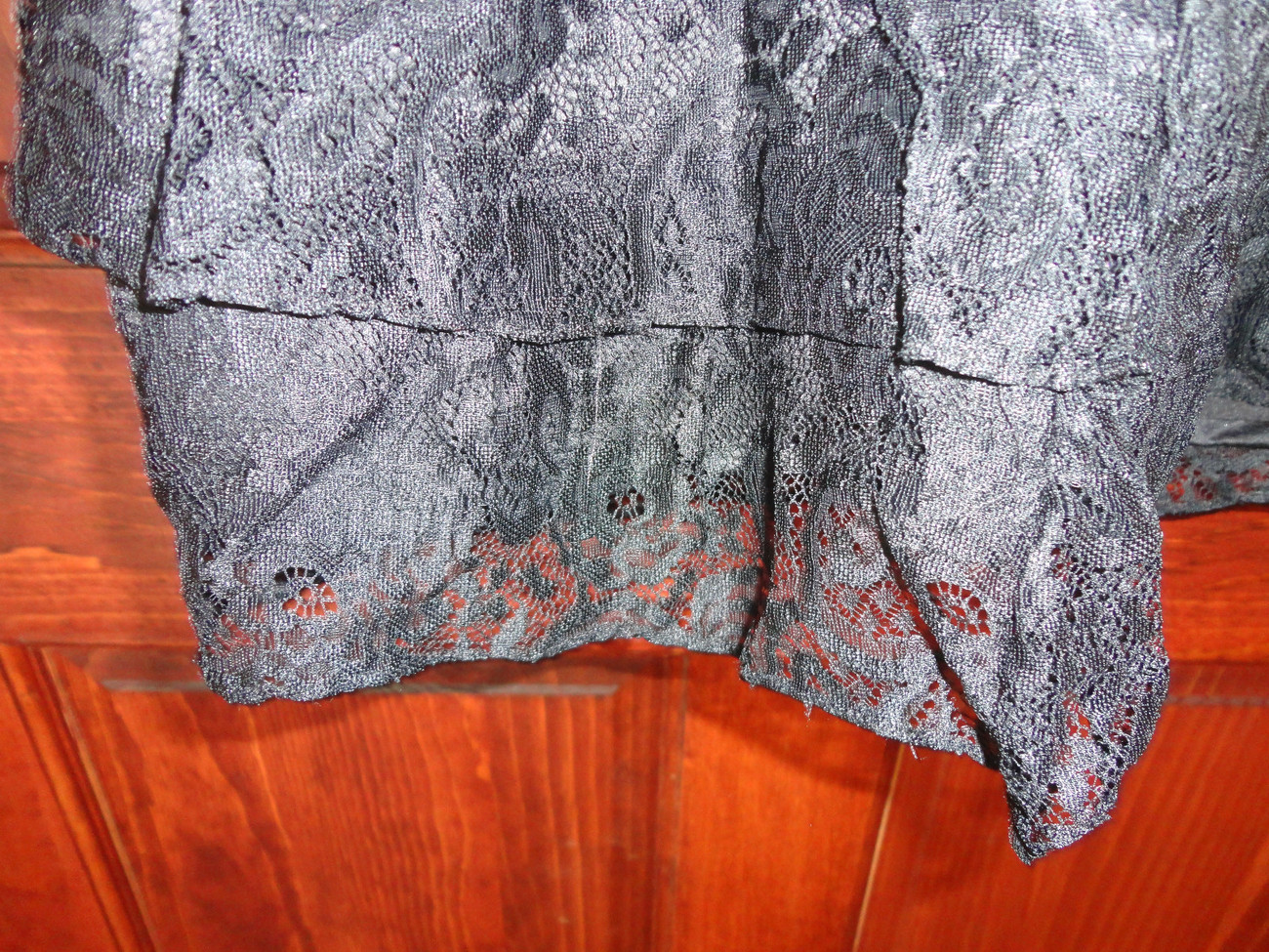 NEW!  BLACK LACE GOWN SIZE S WOMANS FORMAL PROM EVENING KNEE LENGTH