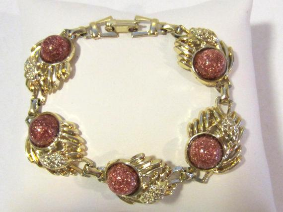 Vintage jewelry goldtone Lucite  bracelet 8'' Long