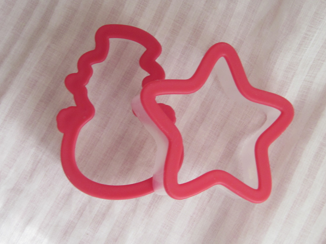Snowman and Star Cookie Cutters Clear and Red Plastic 3.5 Inches