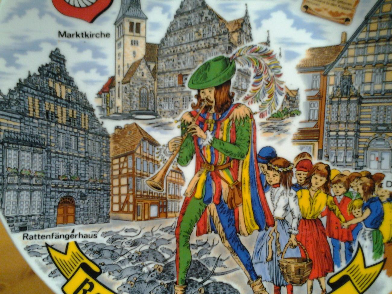 """Rattenfangerstadt Hameln Collector Plate 9.5""""  1284- 1984"""