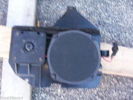 1995 ELDORADO RIGHT DOOR SPEAKER ASSEMBLY OEM USED GM PART NUMBER 16152737 - $74.89