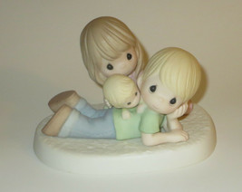 Family Precious Moments Figurine Mom Dad Baby New with Defect No Box  - $40.58